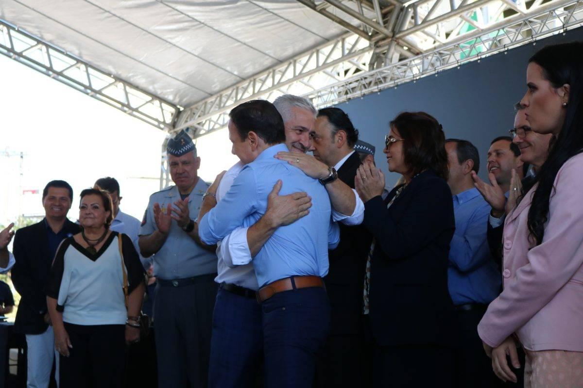 Milton Vieira prestigia cerimônia de entrega de viaturas para PM do Vale do Paraíba 1