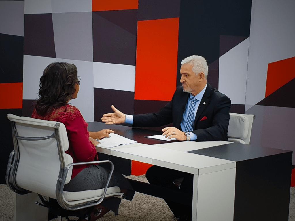 "Milton Vieira deu entrevista para o programa ""Palavra Aberta"" da TV Câmara 3"