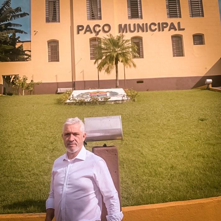 Milton Vieira leva investimentos para a área da saúde da cidade de Paraibuna-SP 8