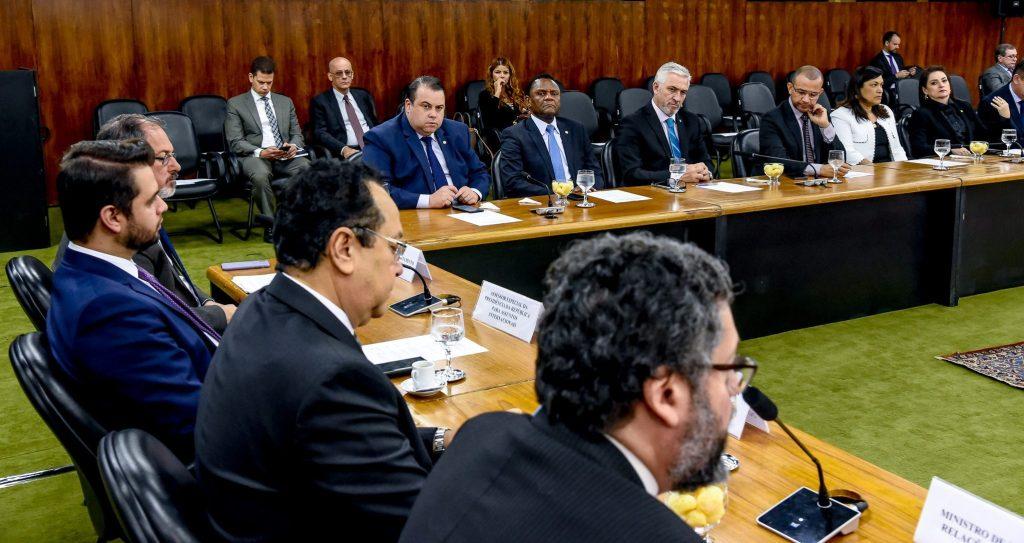 Milton Vieira participa no Itamaraty de reunião da Bancada Evangélica com ministro das Relações Exteriores 2