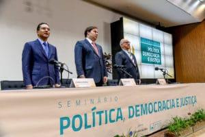 Milton Vieira participa de Seminário sobre Política, Democracia e Justiça 8
