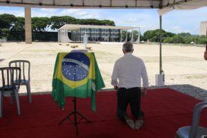Milton Vieira participa em Brasília de vigília de oração pelo Brasil 7