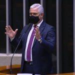 Milton Vieira vota a favor da MP que autoriza acesso a consórcio de vacinas contra Covid-19